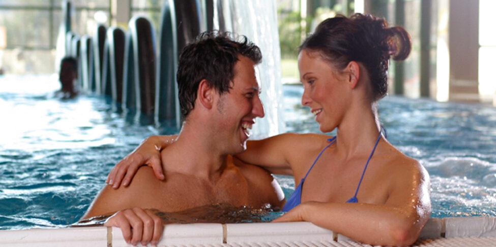 schwimmbad-wasserschlange
