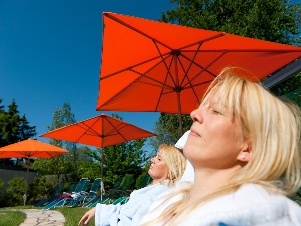 Sonnenliegen, Sauna, Entspannung, Bad Steben, Arrangement, Pauschale, Therme