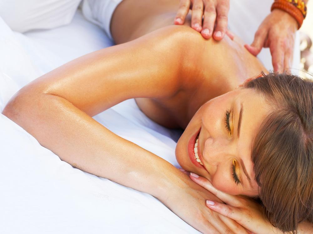 Rückenmassage, Therme, Bad Steben, Entspannung, Verwöhnung, Wellness, Arrangement, Pauschale