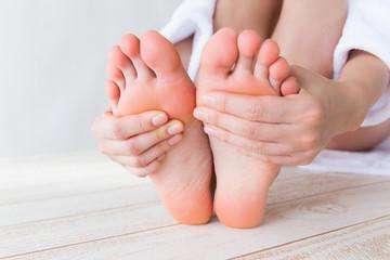 Radon-Bäder helfen gegen beschwerden in den Füßen bei Polyneuropathie